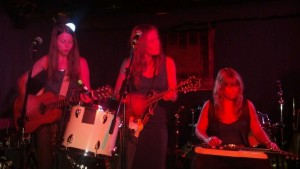 Music Review: The Trishas – Cafe Du Nord – 9/1/12