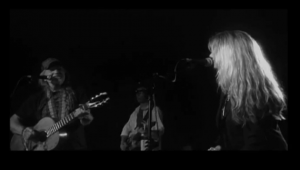 "Watch out! Willie Nelson featuring Paula Nelson – ""Have You Ever Seen The Rain"" [VIDEO]"