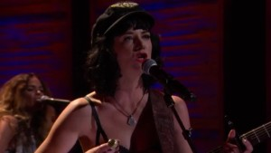 "Watch Out! Nikki Lane – ""Right Time"" – Conan O'Brien – 8/04/14"