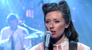 "Watch Out! Lera Lynn: ""Out to Sea"" – Late Show with David Letterman 1/5/2015"