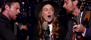 "Watch Out! The Avett Brothers and Brandi Carlile – ""Keep On The Sunny Side"" – David Letterman"
