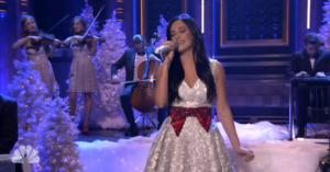 "Watch Out! Kacey Musgraves Performs ""Present Without A Bow"" On Jimmy Fallon's ""Tonight Show"" (VIDEO)"